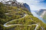 volkswagen-rally-driver-races-world-skiing-champion-in-norway-video_1.jpg